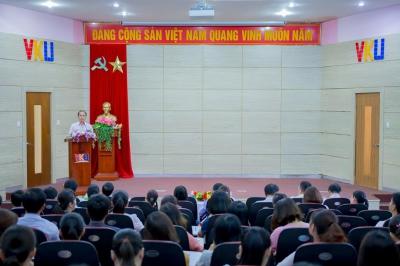 Gặp mặt toàn thể cán bộ viên chức Trường Đại học Công nghệ Thông tin & Truyền thông Việt Hàn - ĐHĐN