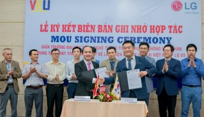Lễ ký kết Biên bản ghi nhớ hợp tác giữa VKU và công ty LG-Electronics Việt Nam