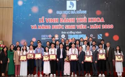 Đại học Đà Nẵng tiếp đón Phái đoàn các Đại sứ Liên minh Châu Âu và các Quốc gia thành viên tại Việt Nam