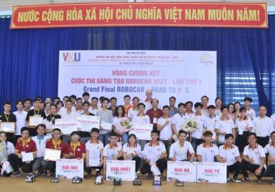 Sinh viên năm 2 Trường VKU xuất sắc vượt qua 132 đội, vô địch Cuộc thi RoboCar năm 2021 khu vực Miền Trung - Tây Nguyên